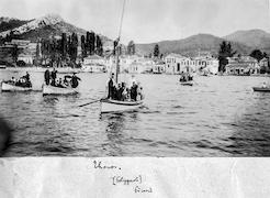 Ch. Picard avec P. Klonaris, départ de Limenas en juillet 1912. Ο Ch. Picard με τον Π. Κλωνάρη, αναχωρώντας από τον Λιμένα τον Ιούλιο του 1912. / EFA N580-097