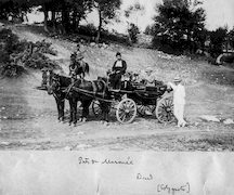 Ch. Picard avec P. Klonaris près de Maronée en juillet 1912.   Ο Ch. Picard με τον Π. Κλωνάρη κοντά στη Μαρώνεια τον Ιούλιο του 1912. / EFA N580-099