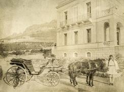 Calèche à l'EFA, vers 1886.  Άμαξα στη Γαλλική Σχολή, γύρω στα 1886. / G. Fougères, EFA FCP 22 3