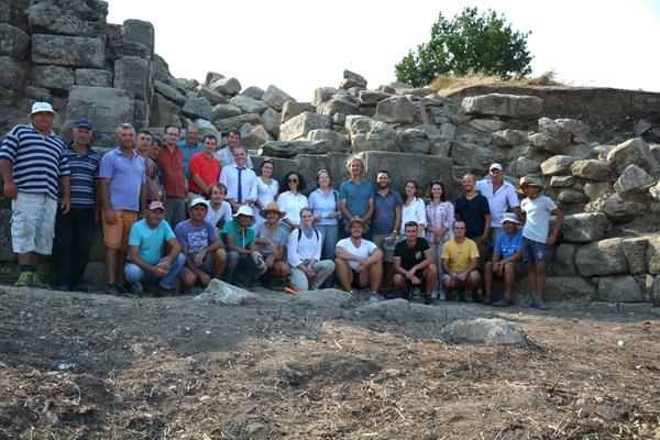 Apollonia 2019, l'équipe en présence de l'ambassadeur de France en Albanie