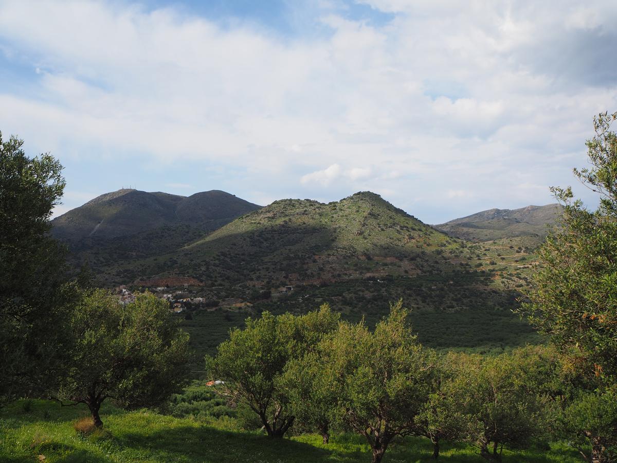Dréros (Crète), vue du site depuis le Sud ©EFA, AL. Farnoux