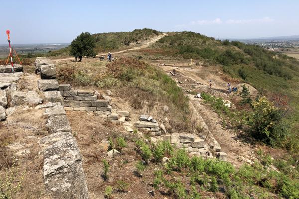 Apollonia-Le secteur de fouille, avec l'acropole nord