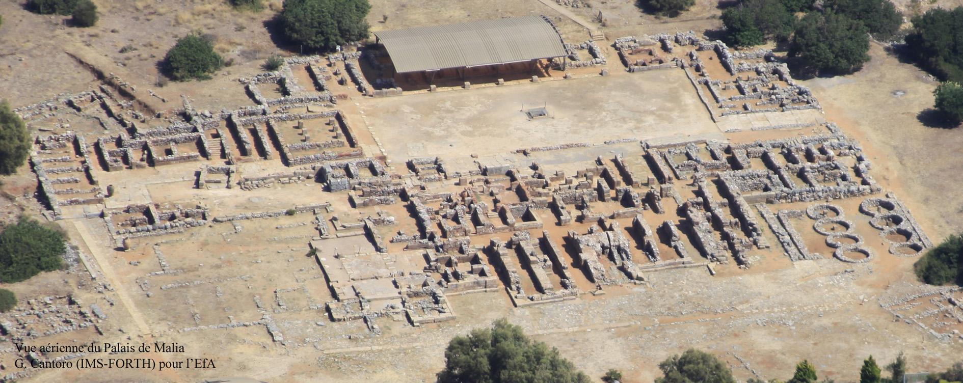Figure 2. Vue aérienne du Palais de Malia, depuis le Nord-Ouest. Cliché G. Cantoro (IMS-FORTH) ©EFA